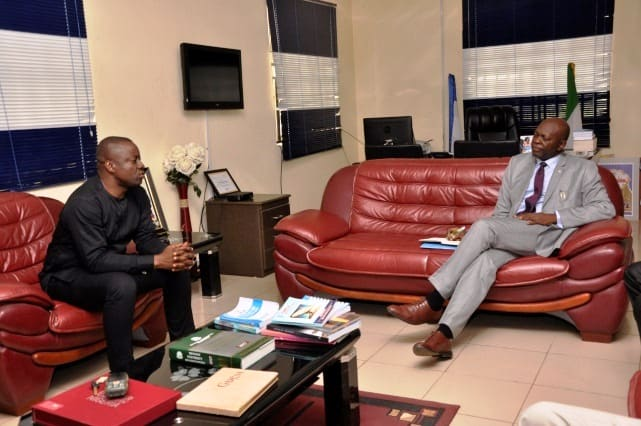 VC Receives IUO Alumni Exco in His Office 2