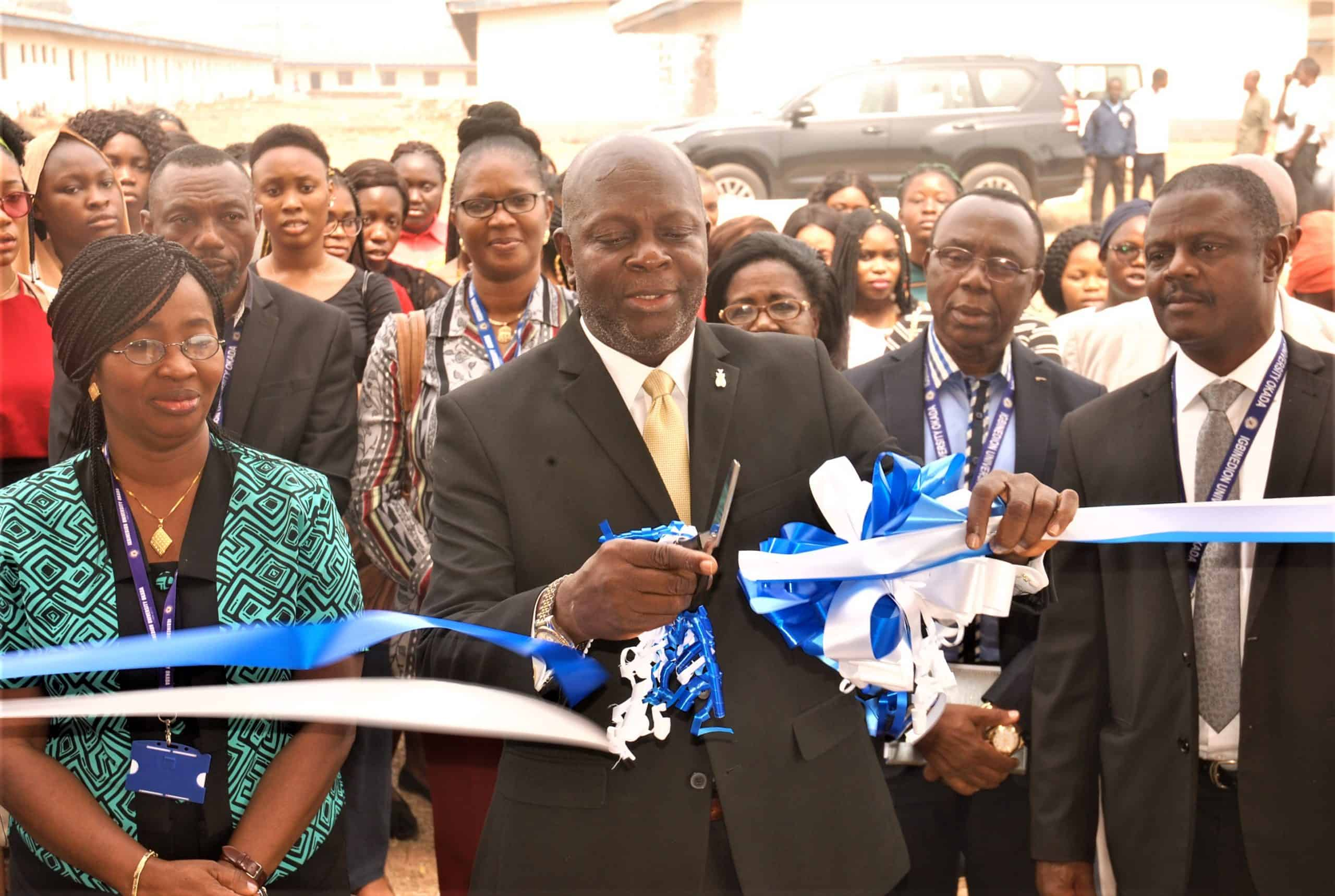 igbinedion university vice chancellor, professor lawrence ezemonye, comissions new reading room in girls hostel main